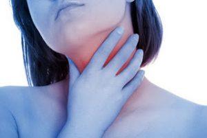 ¿Qué tomo para el dolor de garganta?